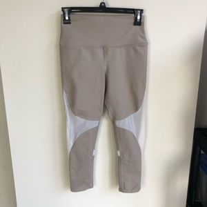 ALO yoga beige mesh detailed crop leggings size S